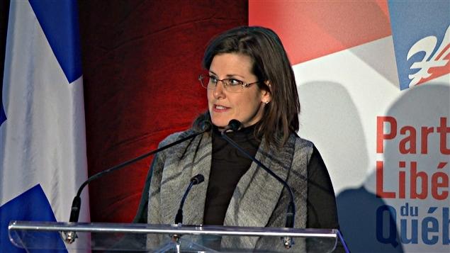 Stéphanie Vallée se désole des conditions qui entourent la tenue du colloque de militants du PLQ à Gatineau.