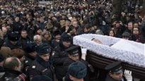 Des milliers de Russes rendent un dernier hommage à l'opposant Boris Nemtsov