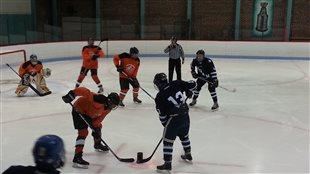 Hockey sur glace pour non-voyants : rencontre avec les Hiboux