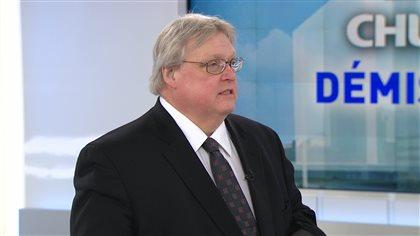 Le ministre Barrette demande au DG du CHUM de ne pas quitter son poste