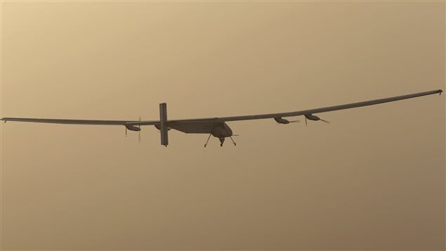 Propulsé à l'énergie solaire, l'avion Solar Impulse 2 a entrepris un tour du monde sans escale.