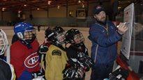 Joé Juneau et le hockey au Nunavik comme école de vie