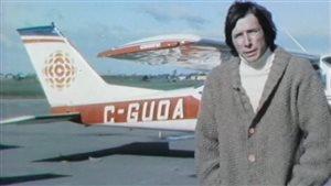 Roger Laroche devant le Vol-au-Vent.