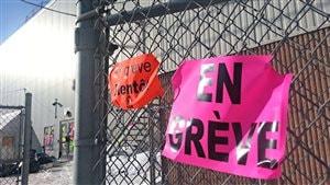 Les employés de l'usine Olymel sont en grève depuis mercredi en fin d'après-midi.