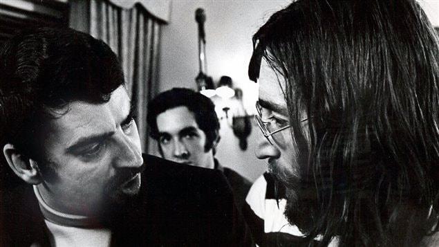 André Perry et John Lennon dans la suite 1742 de l'hôtel Reine Elizabeth lors du bed-in pour la paix en 1969