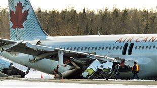 Atterrissage raté à Halifax: une tragédie évitée de justesse