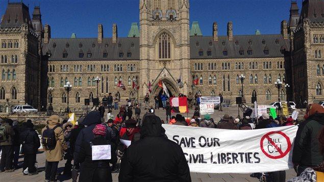 Manifestation contre le projet de loi C-51 le 31 mars