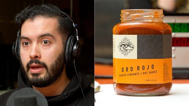 L'un des deux créateurs d'Oro rojo, David Fuenzalida, et un pot de la sauce Oro rojo
