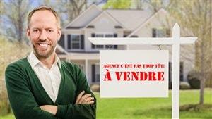 Hugo Lavoie s'est fait tirer le portrait comme un vrai courtier immobilier.