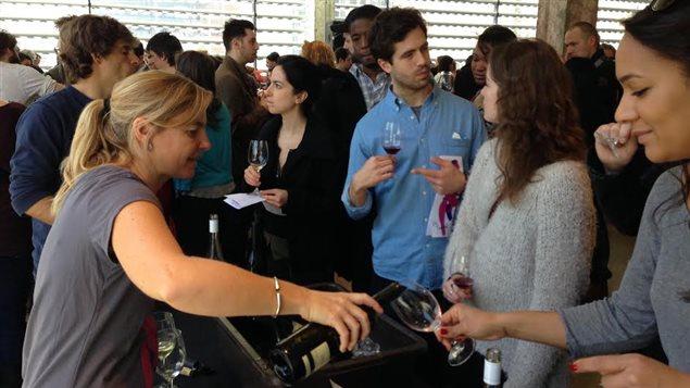 Véronique Hupin du Vignoble Les Pervenches au Salon des vignerons naturels de Montréal