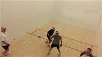Héros du vendredi : la balle au mur
