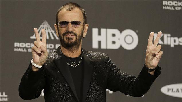 Ringo Starr avant la cérémonie d'intronisation au temple de la renommée du rock and roll, à Cleveland, le 18 avril