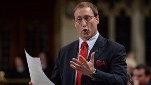 Le départ de MacKay affaiblira-t-il les Conservateurs aux prochaines élections?