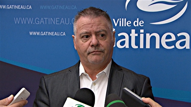 Gilles Carpentier, conseiller du district du Carrefour-de-l'Hôpital et président de la STO. (22-04-15)
