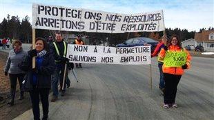 Les travailleurs de Sun Gro à Lamèque dénoncent la fermeture de leur usine