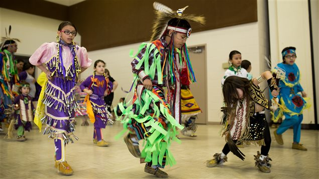 Une centaine de jeunes participent au programme « So You Think You Can Dance Pow Wow ».