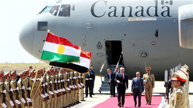 Le premier ministre Stephen Harper lors de son arrivée à Erbil, en Irak.