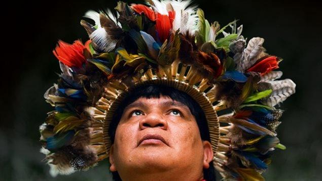 Sauver la planète : Le message d'un chef indien d'Amazonie, un livre d'Almir Narayamoga Surui et de Corine Sombrun