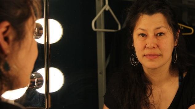 L'auteure et comédienne, Julie Tamiko Manning