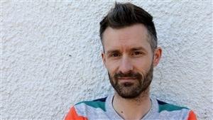 L'artiste montréalais qui s'est fait passer pour un candidat conservateur, Chris Lloyd.