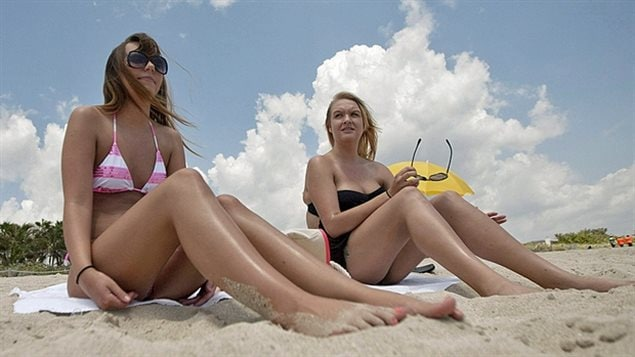 Sun-seeking Canadians increasingly risk melanoma