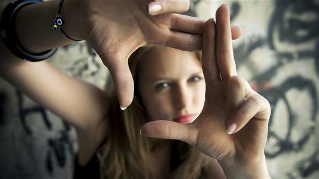 Selon une étude, les filles sont les grandes oubliées de la lutte contre le décrochage scolaire.