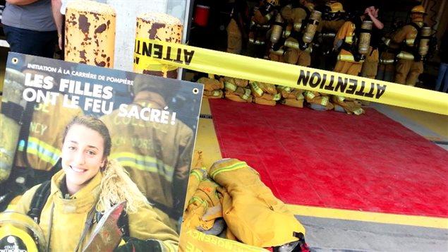 Notre chroniqueur sportif s'est rendu au Collège Montmorency pour suivre un vrai entraînement de pompiers.
