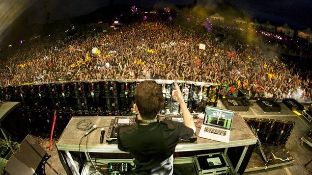 Le DJ Dillon Francis à Île Soniq en 2014
