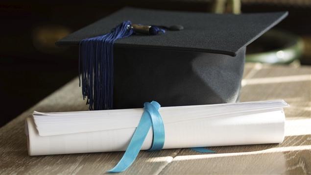 Un diplôme et un mortier