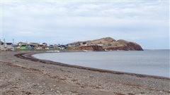 Havre-Aubert aux Îles-de-la-Madeleine vu de la grave.