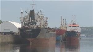 Le navire Pheonix Sun est amarré jusqu'à nouvel ordre au quai 104.