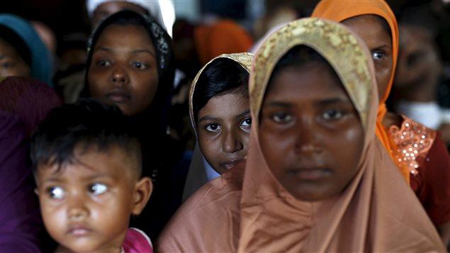 Des migrants Rohingyas arrivés par bateaux en Malaisie en mai 2015