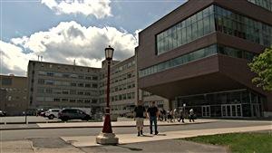 Le campus de l'Université d'Ottawa. (26-05-15)