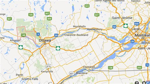 The municipality of Pontiac in western Quebec (red outline west of Ottawa) encompasses several small communities.