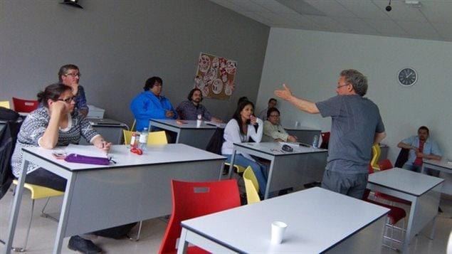 El capacitador Guy Bois, durante el taller de formación.