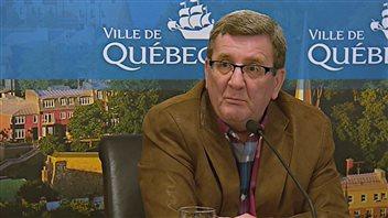 Legault ne connaît pas la Ligue nationale, soutient Labeaume