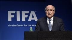Blatter limite ses déplacements
