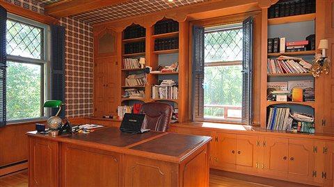 le 1080 des braves impr gn du passage de jacques parizeau jacques parizeau 1930 2015 ici. Black Bedroom Furniture Sets. Home Design Ideas