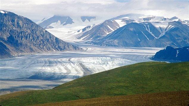 Glacier sur l'île Bylot, située à l'extrémité sud-ouest de l'île de Baffin