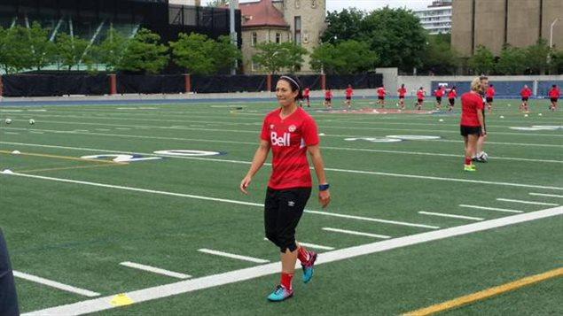Marie-Ève Nault, membre de l'équipe canadienne de soccer féminin qui s'entraîne en vue de la Coupe du monde.