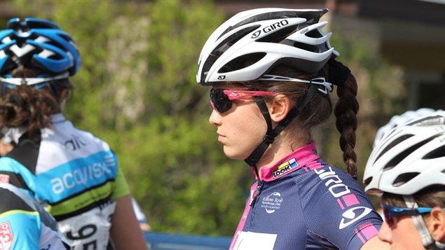 La cycliste Ariane Bonhomme de Gatineau