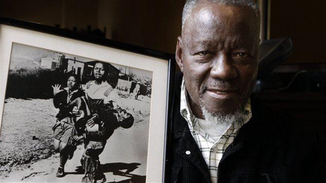 Le photographe sud-africain Sam Nzima, qui a pris le cliché, qui a fait le tour du monde, d'Hector Pieterson dans les bras de Mbuyisa Makhubu.