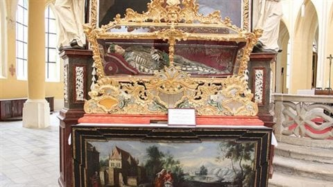 St. Felix's remains are in an elaborate reliquary coffin in Our Lady's Cathedral in Kutná Hora, Czech Republic.