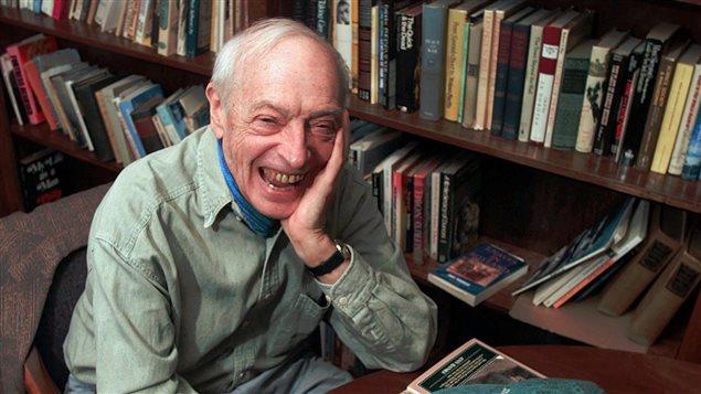 L'auteur Saul Bellow lors d'une entrevue à l'Université de Boston, où il enseignait (1915-2005).