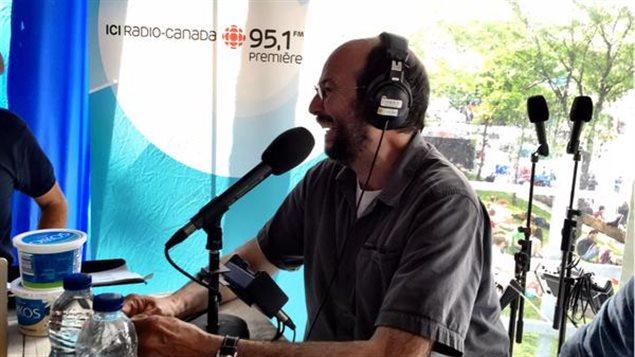 L'auteur-compositeur-interprète Michel Rivard