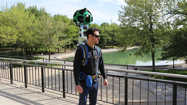 Le « trekker » de Google dans le parc du mont Royal.