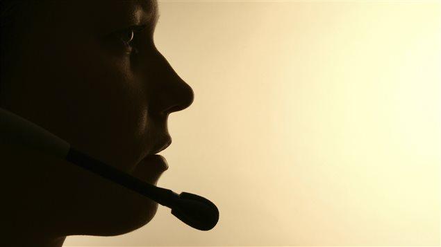 Une employée d'un centre d'appels