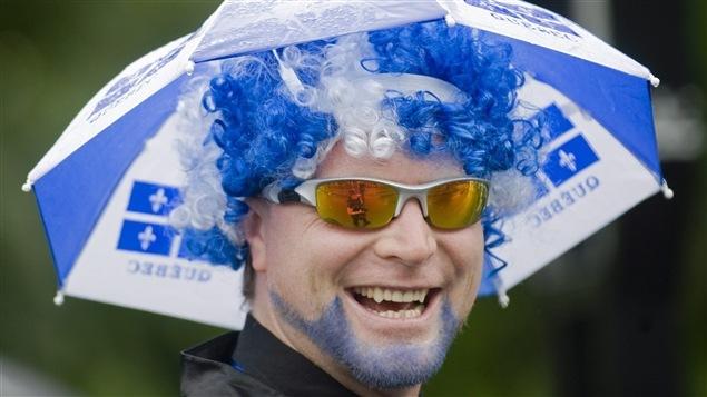 Un Québécois portant fièrement ses couleurs.