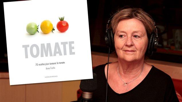 L'auteure Anne Fortin et son livre <em>Tomate</em>