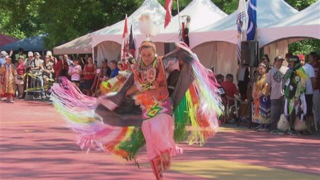 La foule est au rendez-vous ce week-end pour le pow wow international de Wendake.